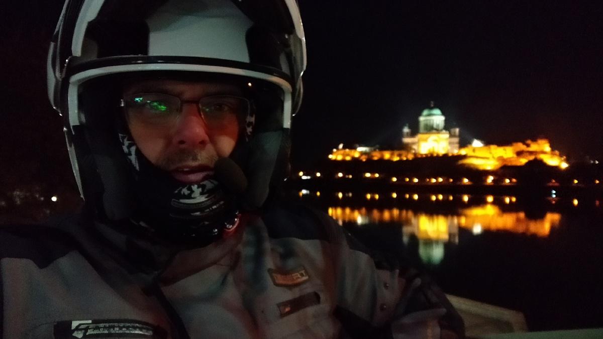 Esztergomi bazilika este megszelfizve